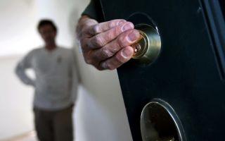 Порядок и основания для выселения прописанного человека не собственника из квартиры