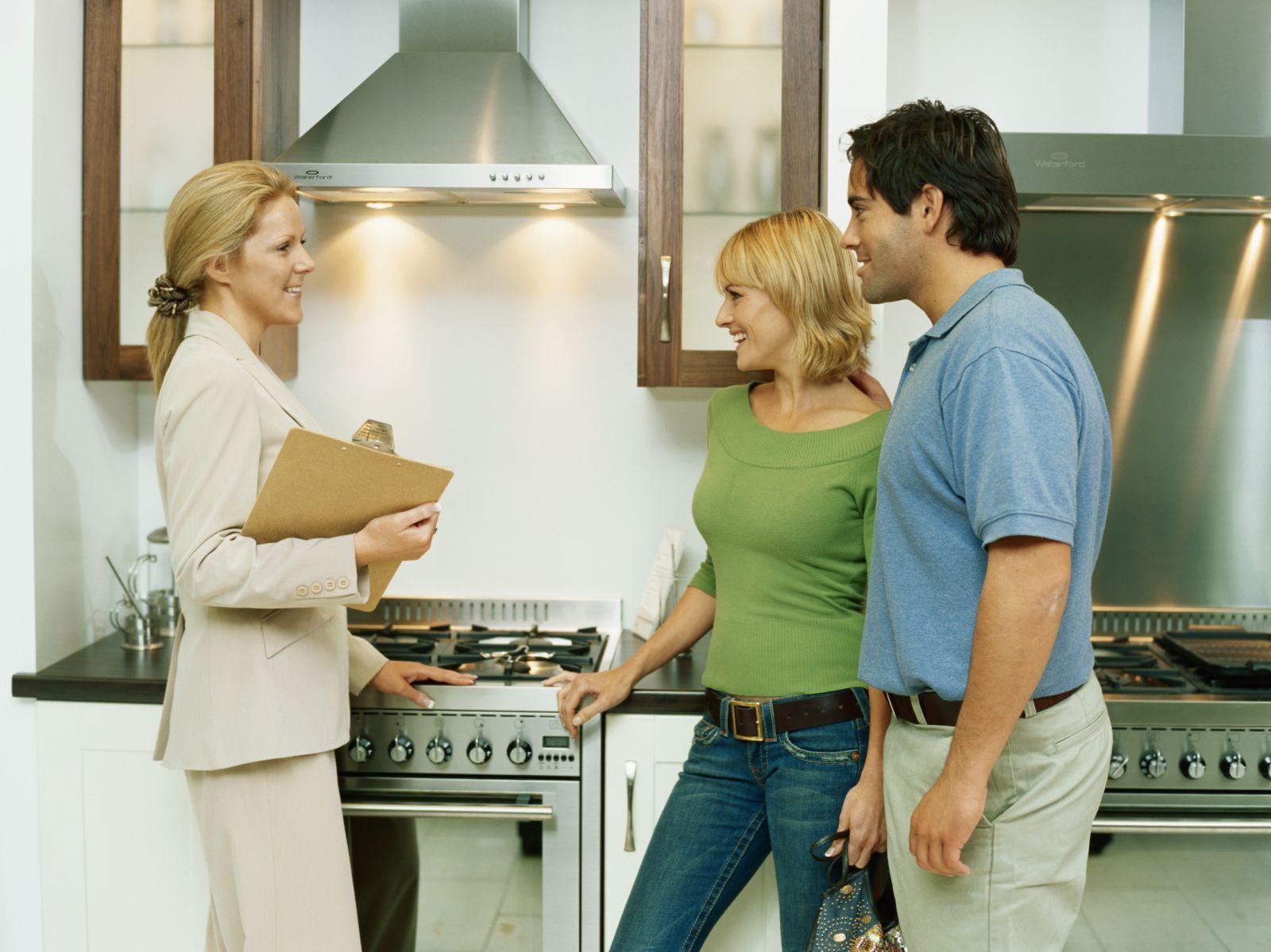 Как снять квартиру через агентство, чтобы не обманули