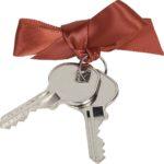 Выписка совершеннолетних,если недвижимость получена в дар