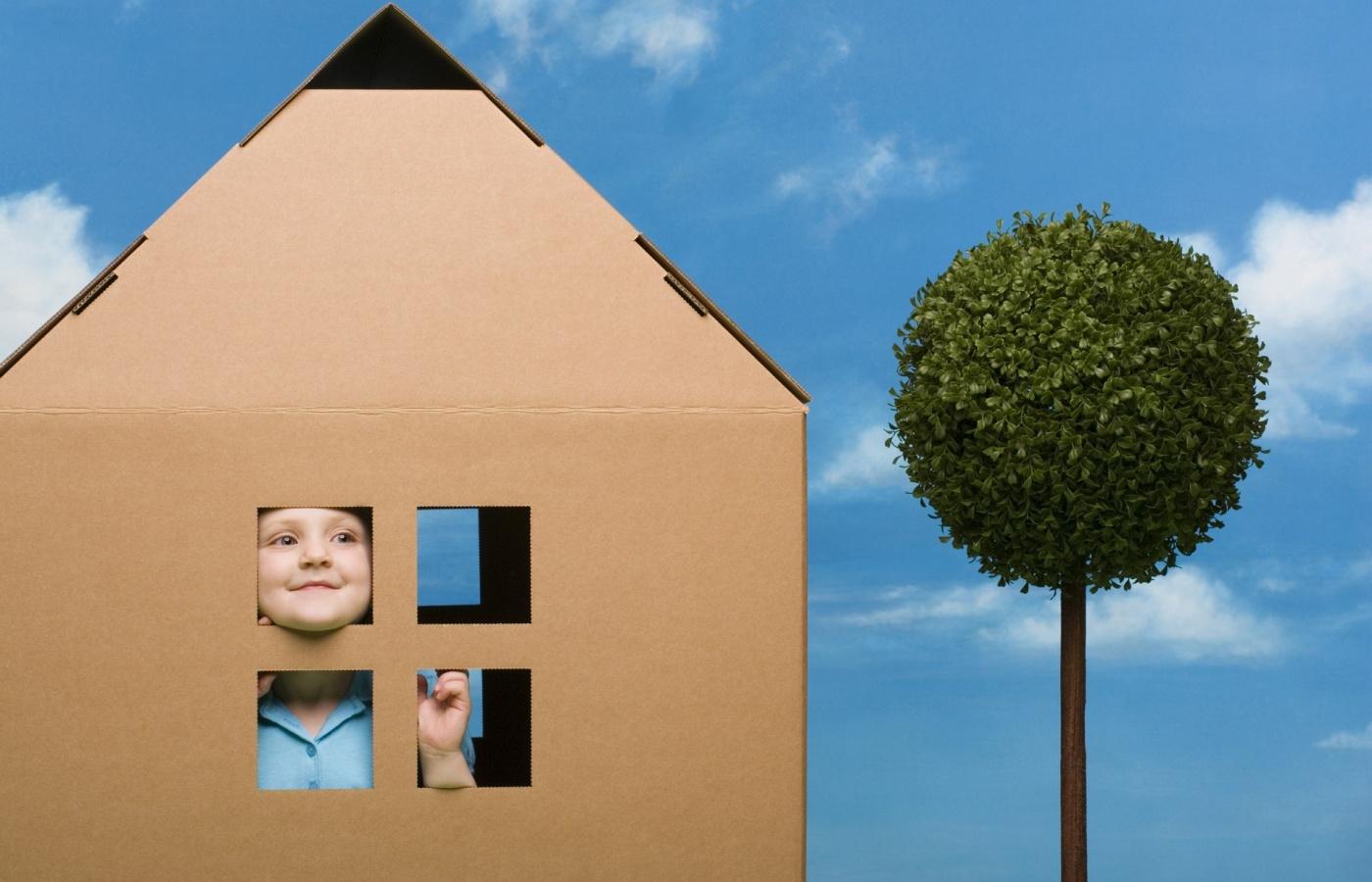 Можно ли продать квартиру, если там прописан несовершеннолетний ребенок