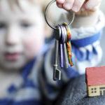 Условия выписки несовершеннолетнего из квартиры