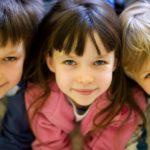 Несовершеннолетний не может оформить договора дарения