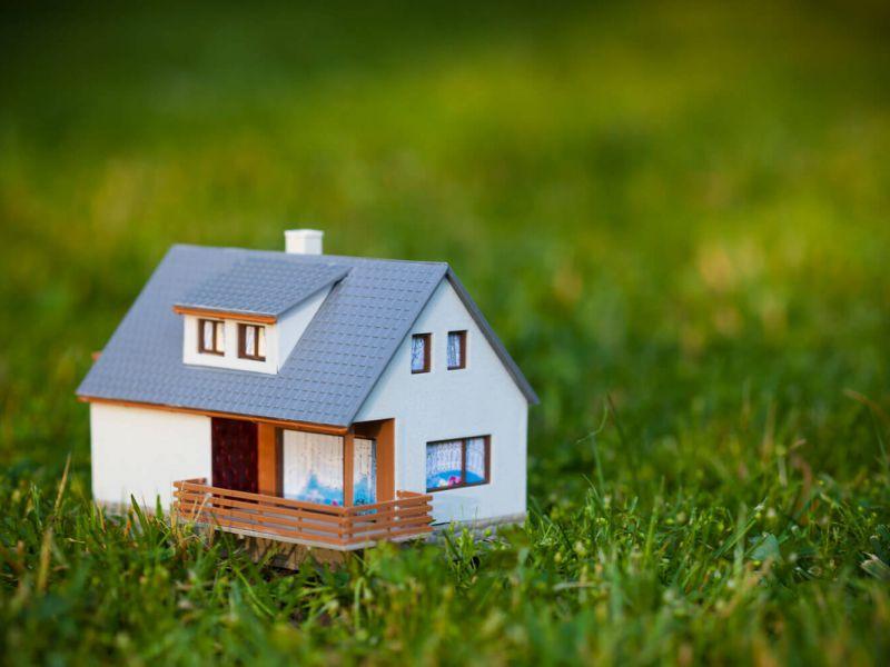 Как продать дом с земельным участком