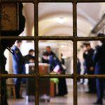 Граждане, лишенные свободы, не входят в состав семьи