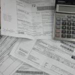 Бумаги об оплате коммунальных платежей за последние несколько месяцев