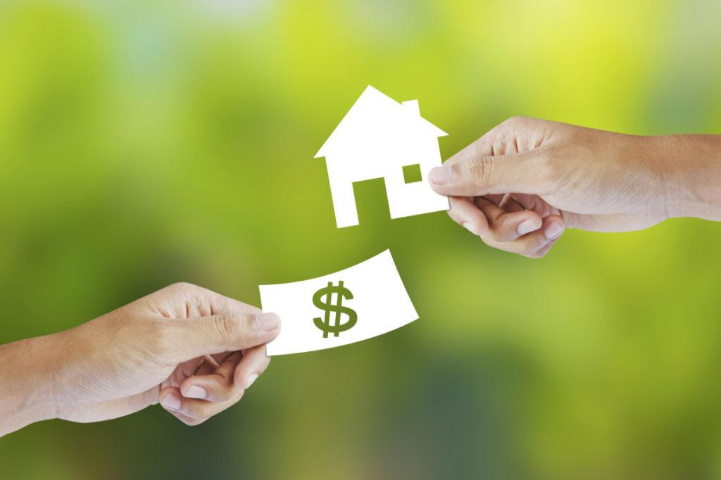 Необходимый список документов на возврат подоходного налога при покупке квартиры – когда и какие справки подавать в налоговую и работодателю?