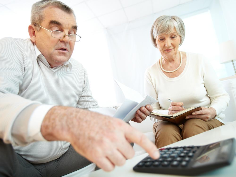 Платят ли пенсионеры налог на имущество и земельный налог в 2020 году