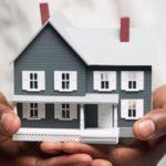 Дом во руках